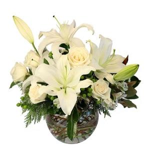 white christmas flower arrangement