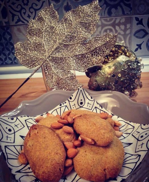 biscotti salati con farina di mais e mandorle