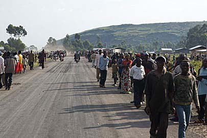 Thousands of civilians fleeing to Goma to escape the fighting.