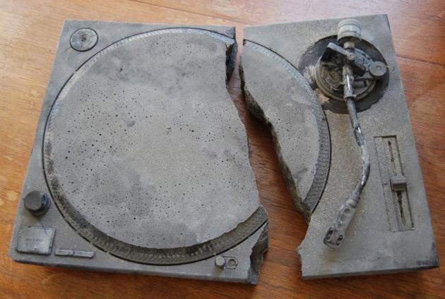 broken-technics-620x417