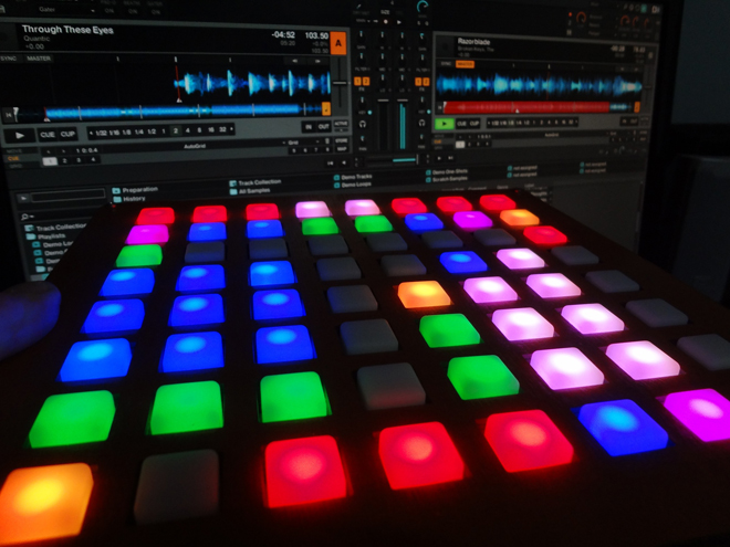 buttonTraktor-dj-producer