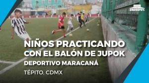 niños-practicando-con-el-balon-de-jupok