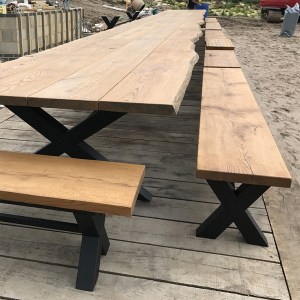 Cross outdoor banquet table