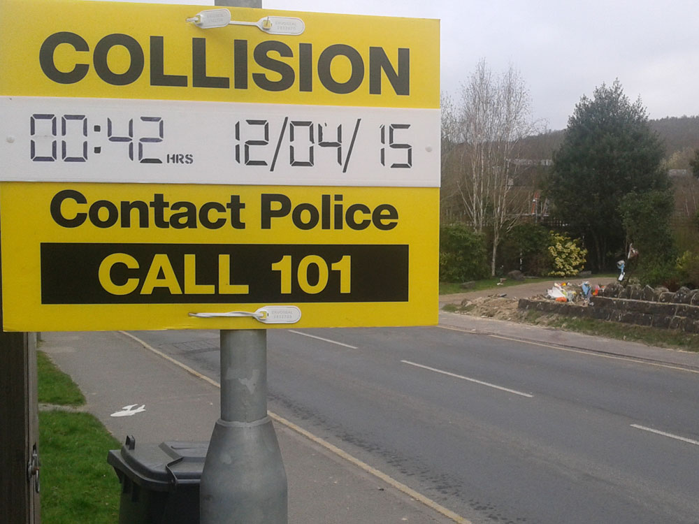 Contact Police Call 101 sign displayed on Rotherfield Road in Jarvis Brook