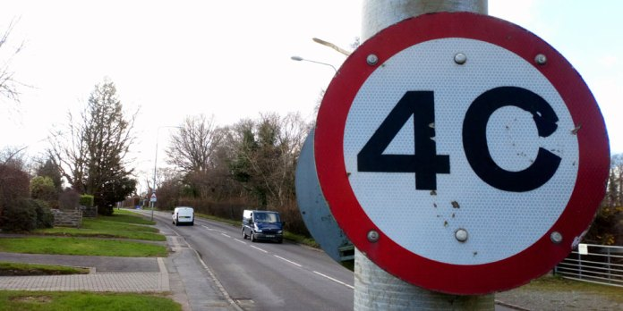 40 mph speed limit sign A26 Eridge Road in Crowborough