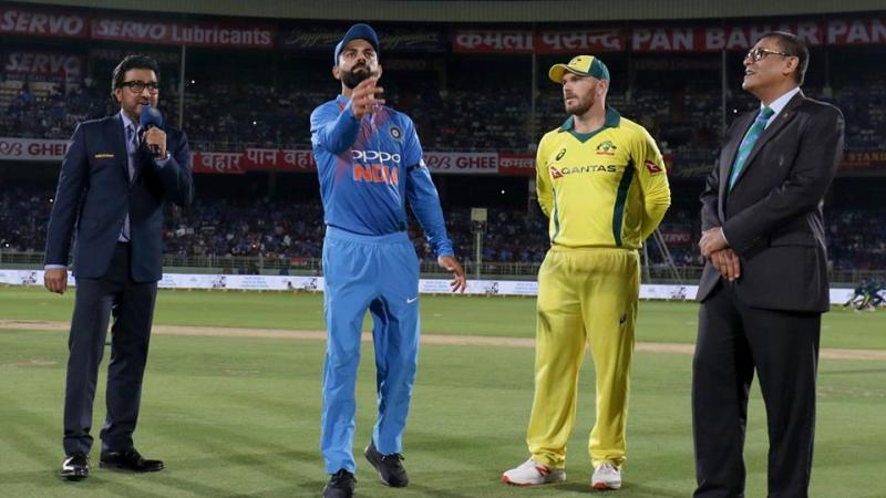 India vs Australia   Live    Predictions