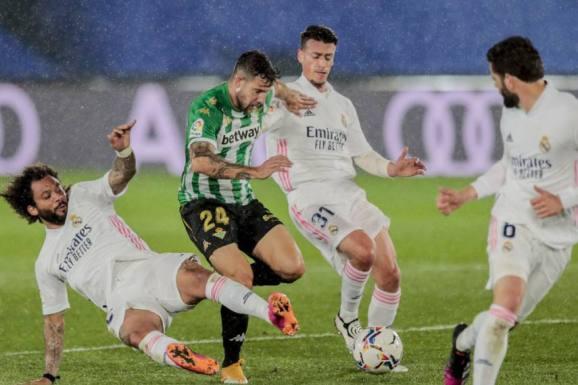 Aitor Ruibal vs Real Madrid 571 855