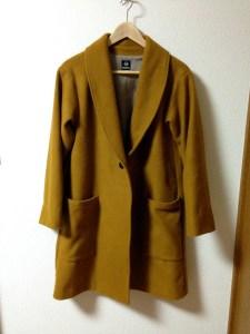 渾身の一着。裏地付きウールのコート。