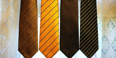 Wearing ties different colors