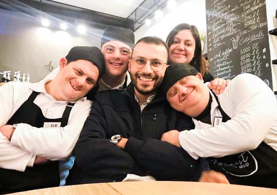 """مقهى """"Agonist"""" ابتكار مميز للأشخاص ذوي الإعاقة في لبنان"""
