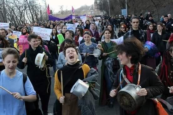 Марш «спраглих рівності жінок»: погляд гладіатора Життя