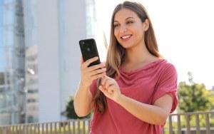 4 ESSENTIALS TO BUILDING YOUR BRAND, SOCIAL MEDIA