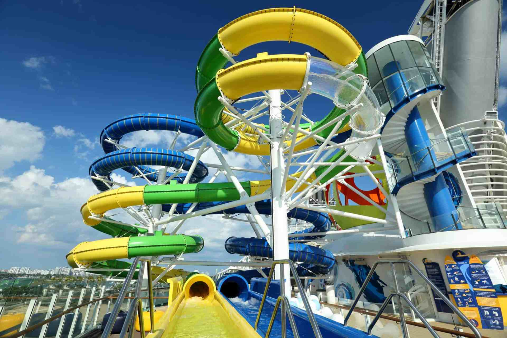 Mariner Of The Seas >> Take A Tour Of The Mariner Of The Seas Sports Deck Video
