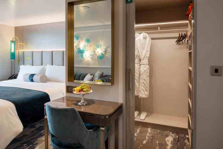 Crystal Seabreeze Penthouse on Crystal Serenity