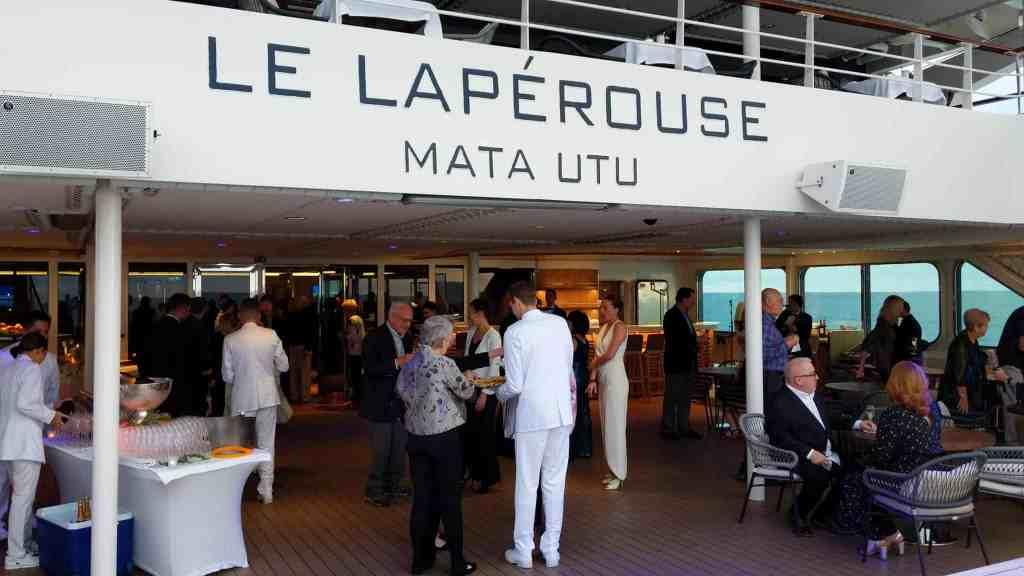 Captain cocktail event on Le Laperouse