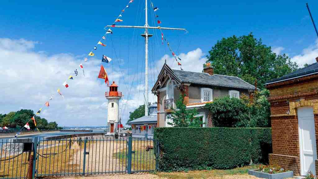 Honfleur Cruise Port: A Picture-Perfect Port for River and Ocean Voyages   26