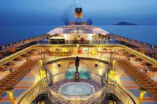 costa-mediterranea-pool