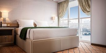 silversea-silver-cloud-expedition-grand-suite-4