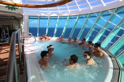 brilliance-of-the-seas-jacuzzi