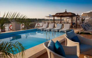 sanctuary-sun-boat-iv-pool2