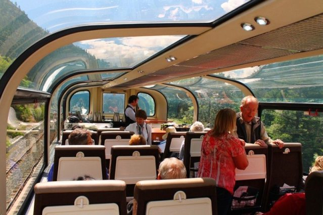 rocky-mountaineer-goldleaf