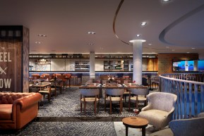 gastro pub aboard iona