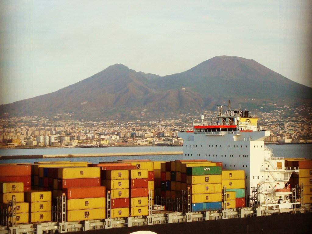 Blick auf den Golf von Neapel und den Vesuv
