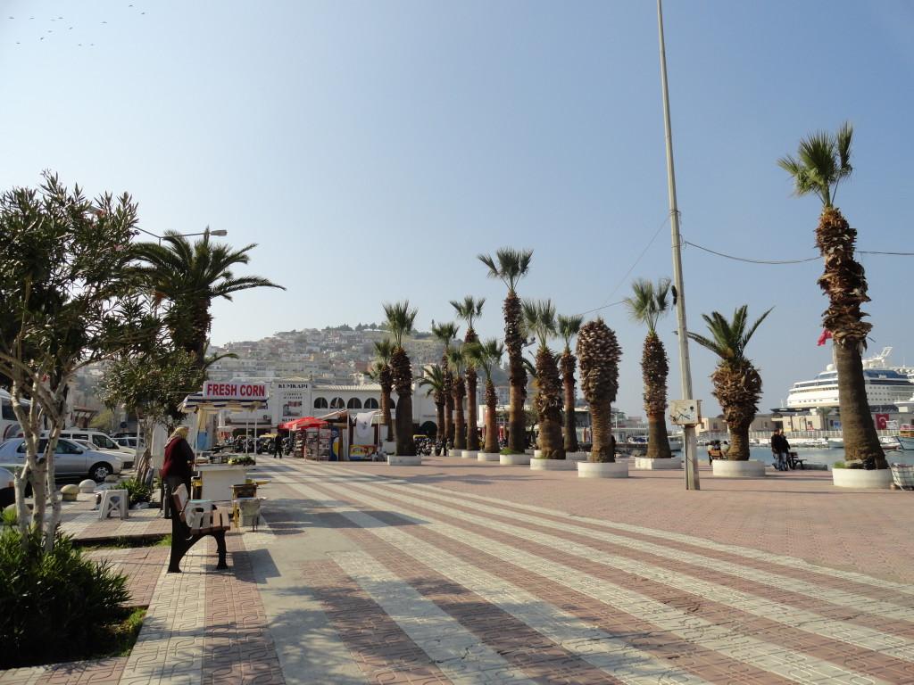 Blick auf die Promenade von Kusadasi