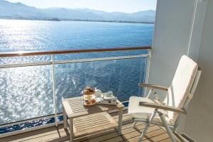 Frühstück auf der Veranda an Bord der MS EUROPA 2