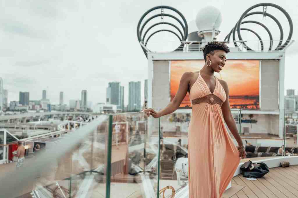 Miami Dolphins Cheerleaders cruise aboard MSC Seaside and MSC Meraviglia for annual photo shoot.