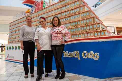 Carnival Cruise Line Docks Gingerbread Mardi Gras in Atlanta Mall | 22