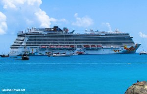 Norwegian Cruise Line Expanding Dinner Entertainment to More Cruise Ships