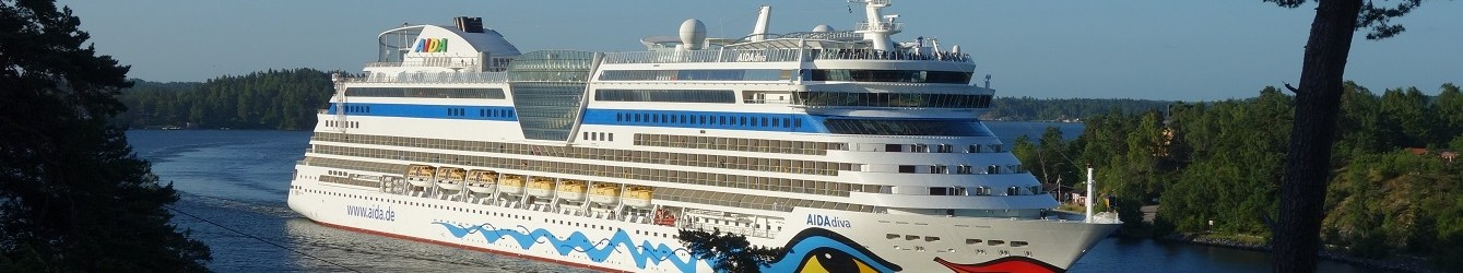 Kreuzfahrtschiffe im Oxdjupet