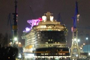 Disney Dream im Dock bei Blohm & Voss in Hamburg