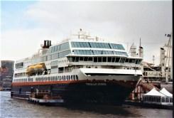 Hurtigruten-Trollfjord-01 MS TROLLFJORD