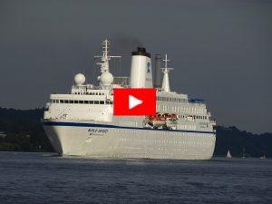 World-Odyssey-037-300x225 WORLD ODYSSEY - Auslaufen Hamburg 9. September 2018