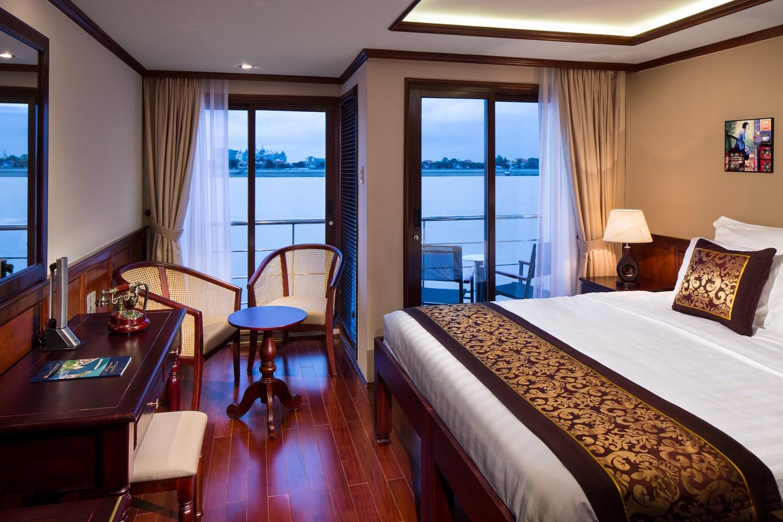 Standard stateroom med både fransk balkon på AmaDara skibet