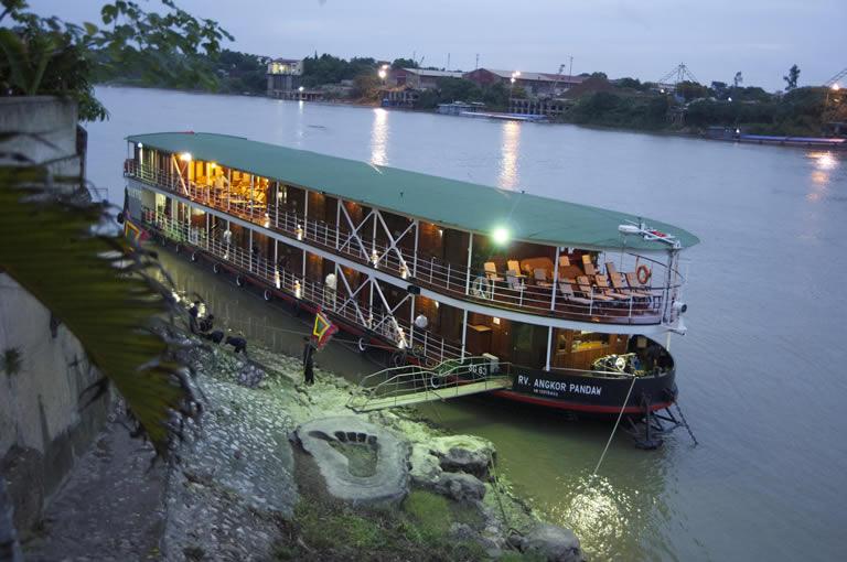Red River flod cruise i Vietnam
