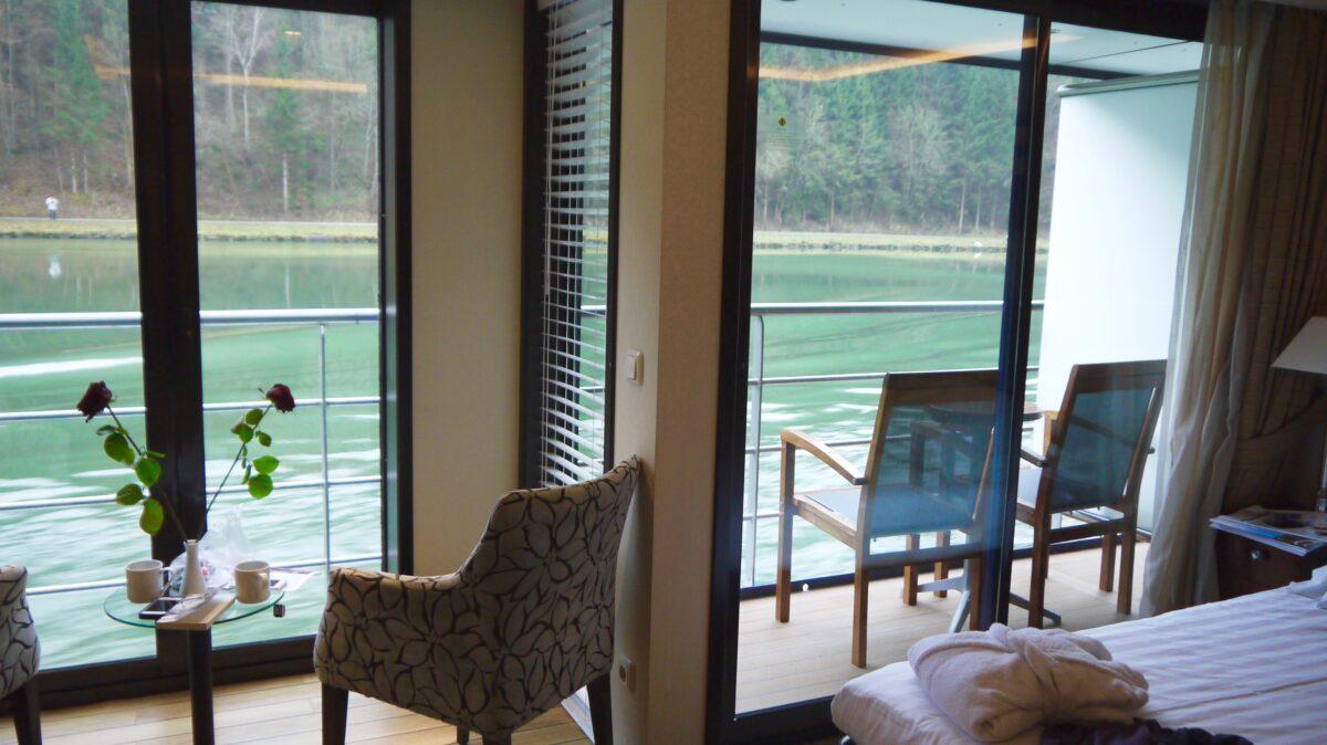 Standard stateroom med fransk balkon og fuld balkon på Ama Waterways skibene