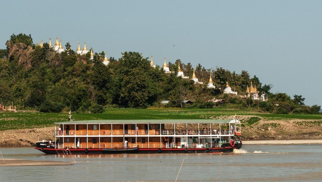 Pandaw Expeditions på den idylliske Irrawaddy flod i Myanmar