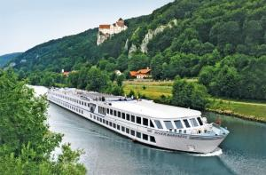 River Cruise Jobs with Uniworld