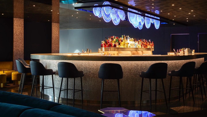 Virgin Voyages drinks enjoy at On the Rocks
