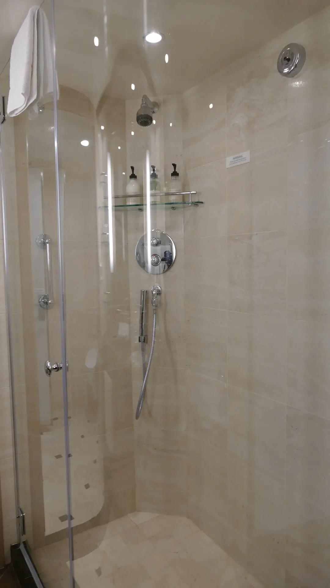 Sky Suite double shower