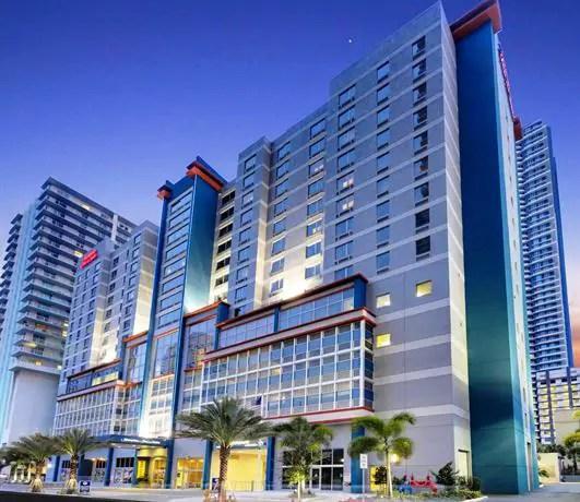 best portmiami cruise hotels cruise port advisor. Black Bedroom Furniture Sets. Home Design Ideas