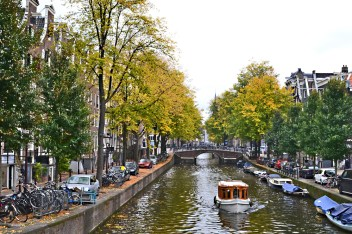 amsterdam-canal2