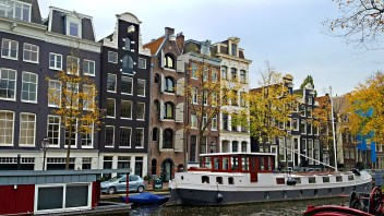 amsterdam-houseboat
