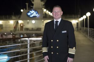 Captain CArl Smith, Azamara pursuit Mster captain
