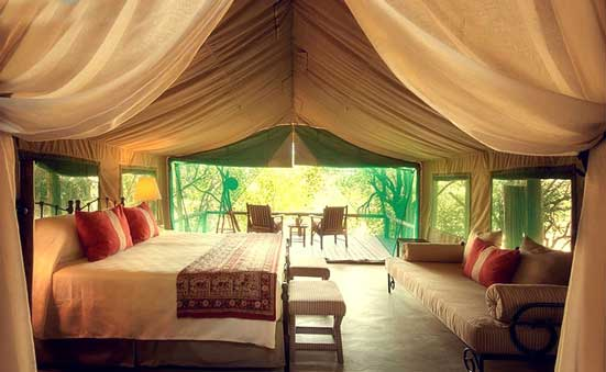 Glamorous Under Canvas Glamping 005