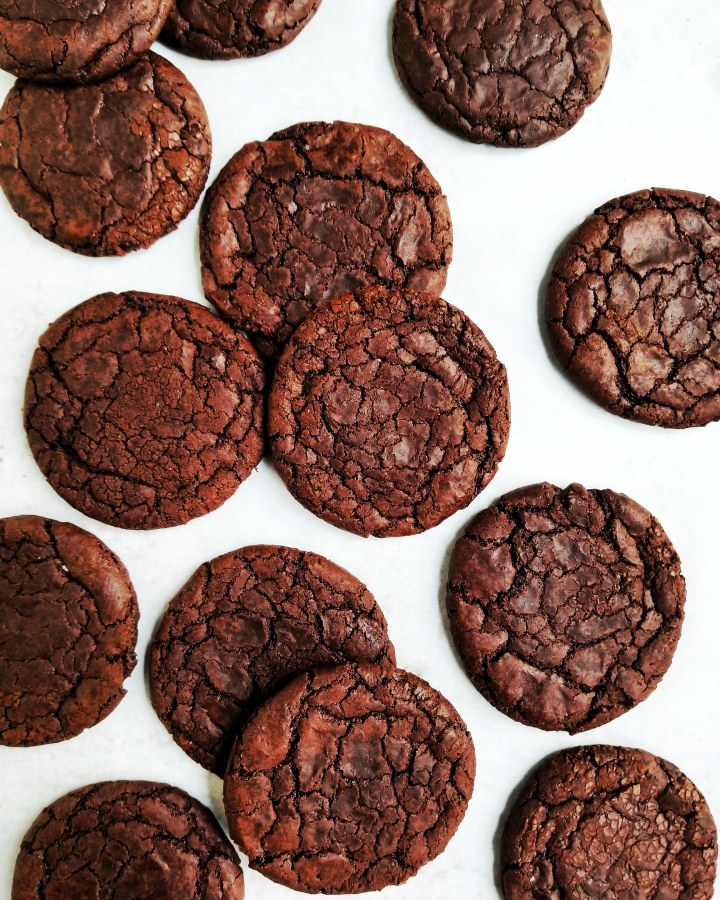 Vegan Truffle Brownie Crackle Cookies