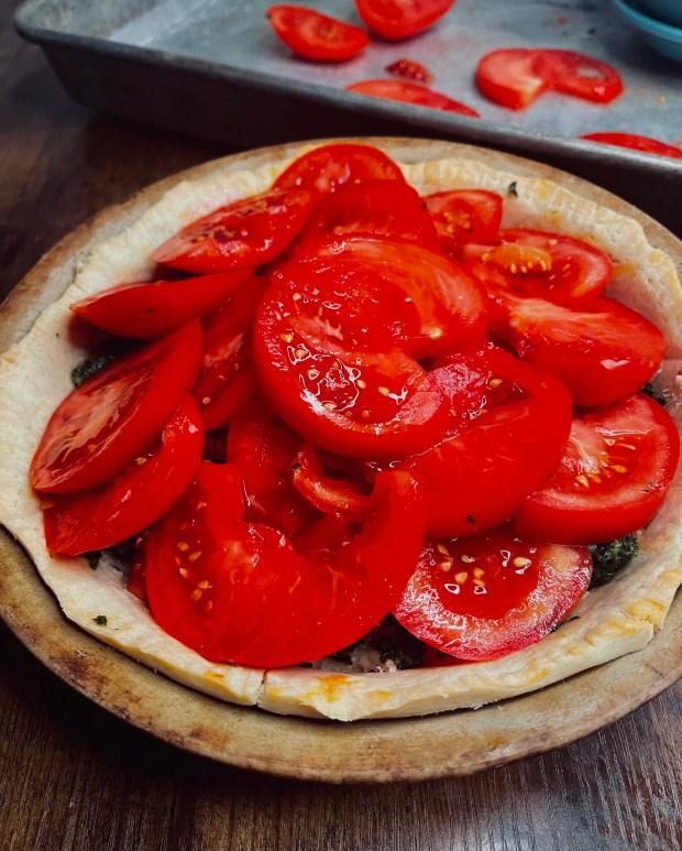 unbaked tomato tart
